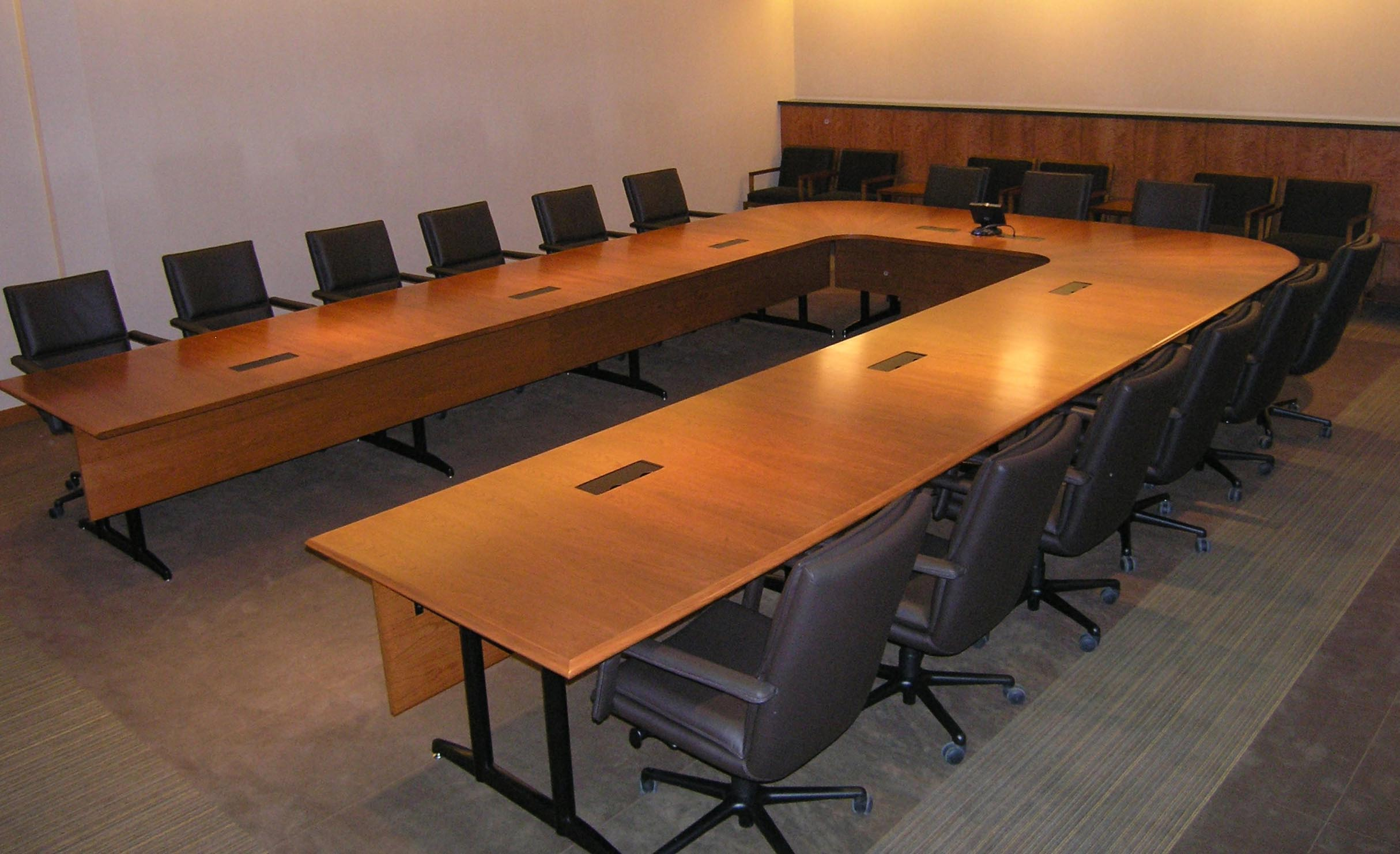 CONFERENCE TABLES - CompuArt